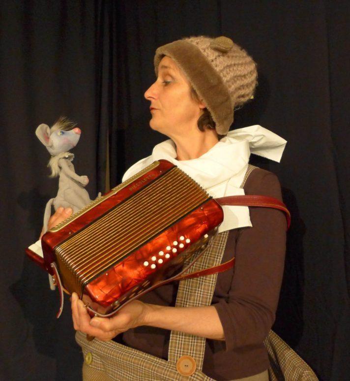 Eupener Puppenspiele: Mausekuss für Bär